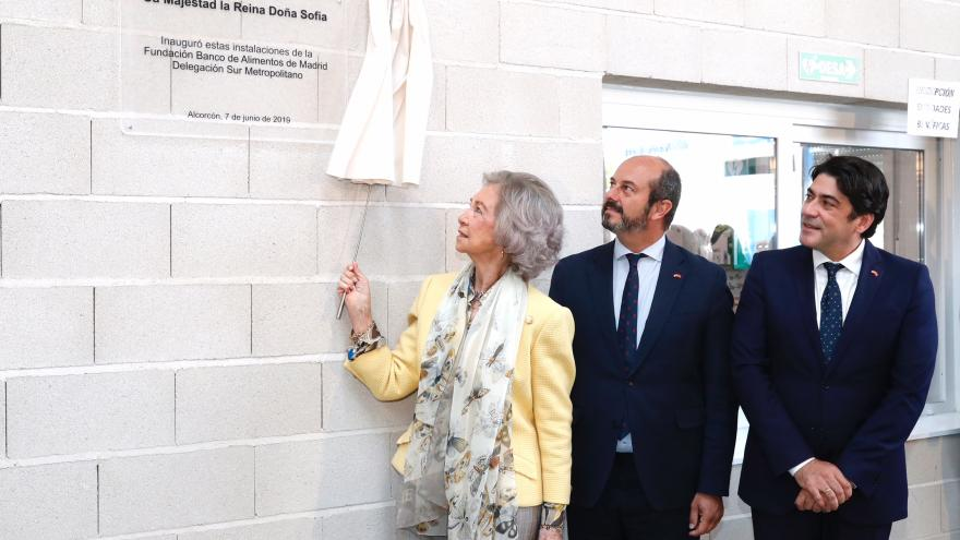 El presidente en funciones de la Comunidad de Madrid, Pedro Rollán, ha acompañado hoy a S.M. la Reina Doña Sofía en la inauguración de la nueva sede de la Fundación Banco de Alimentos en Alcorcón