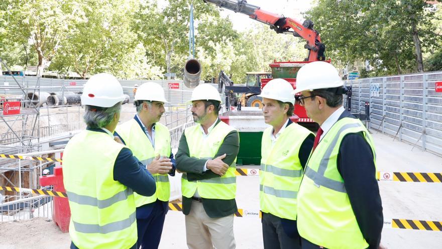 El presidente Rollán ha visitado las obras de Canal de Isabel II en el Paseo de la Castellana
