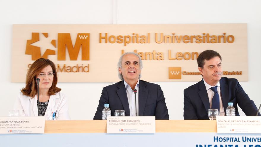 El consejero en funciones de Sanidad, Enrique Ruiz Escudero, durante el acto
