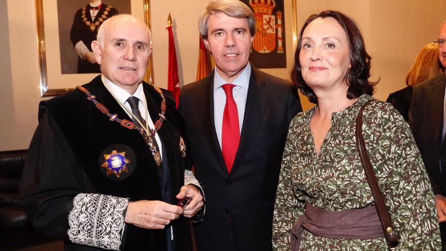 Garrido junto a la consejera de Justicia y el presidente de la Audiencia Provincial de Madrid