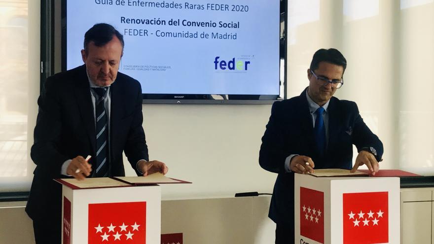 Alberto Reyero durante la renovación del convenio de colaboración con la Federación Española de Enfermedades Raras