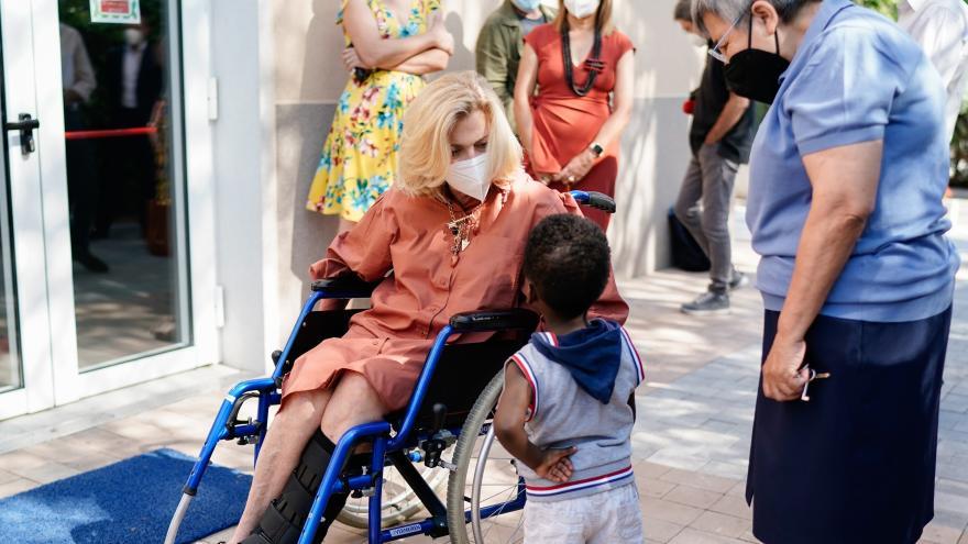 Dancausa visita residencia Villa Paz 2