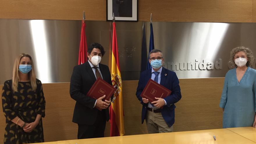 David Pérez durante la firma del nuevo convenio con la FMM