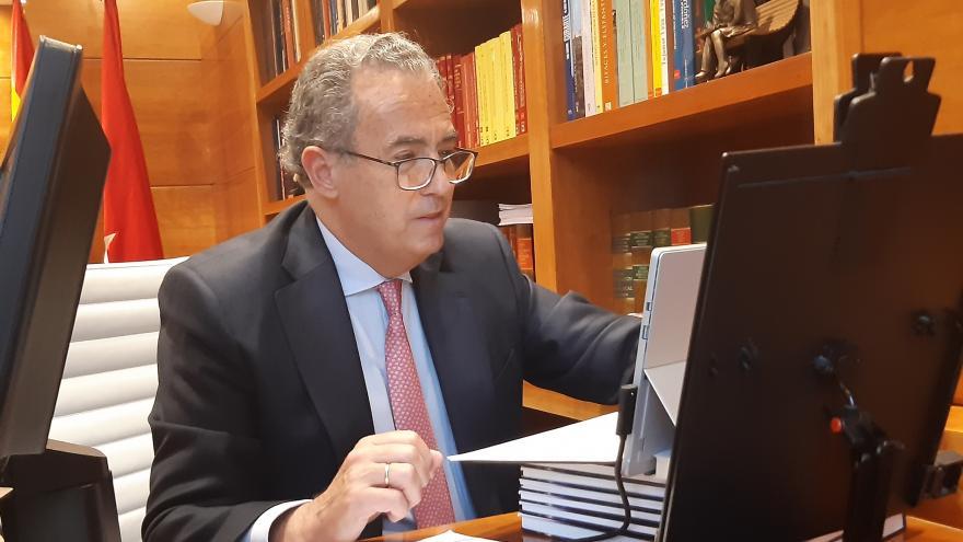 Enrique Ossorio durante la entrega del Premio Max Mazin