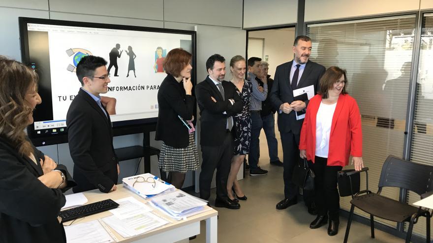 Eva María Blázquez durante la inauguración de la nueva oficina de empleo en Rivas Vaciamadrid