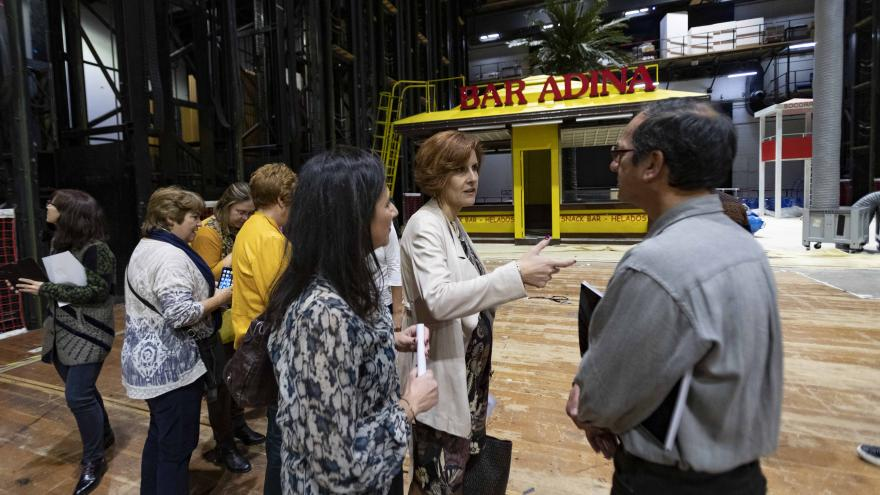 Eva María Blázquez durante la visita las instalaciones del Teatro Real