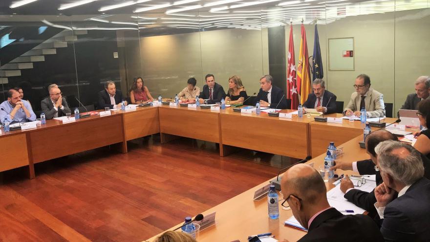 La Consejería de Justicia presenta su hoja de ruta a la Mesa del Pacto para la Justicia