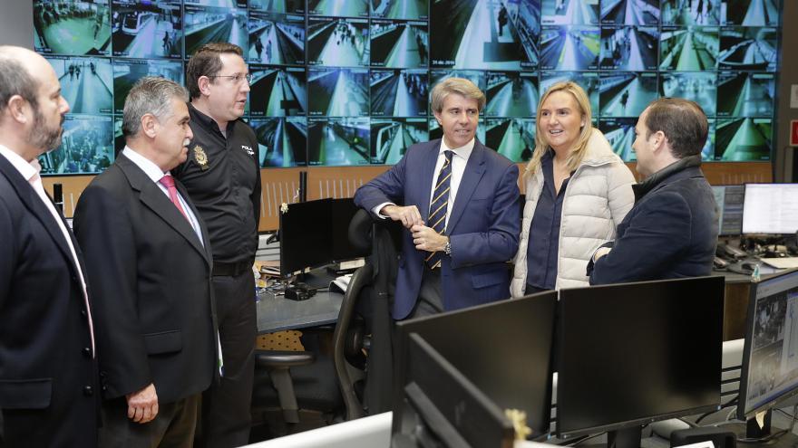 Garrido supervisa el dispositivo de Metro con motivo de las celebraciones de Nochevieja