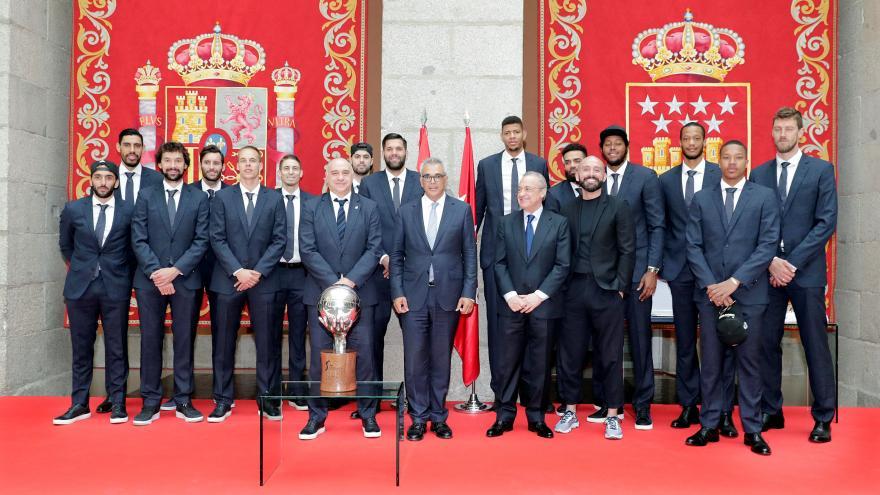 La Comunidad homenajea al Real Madrid de Baloncesto, campeón de la Liga Endesa ACB
