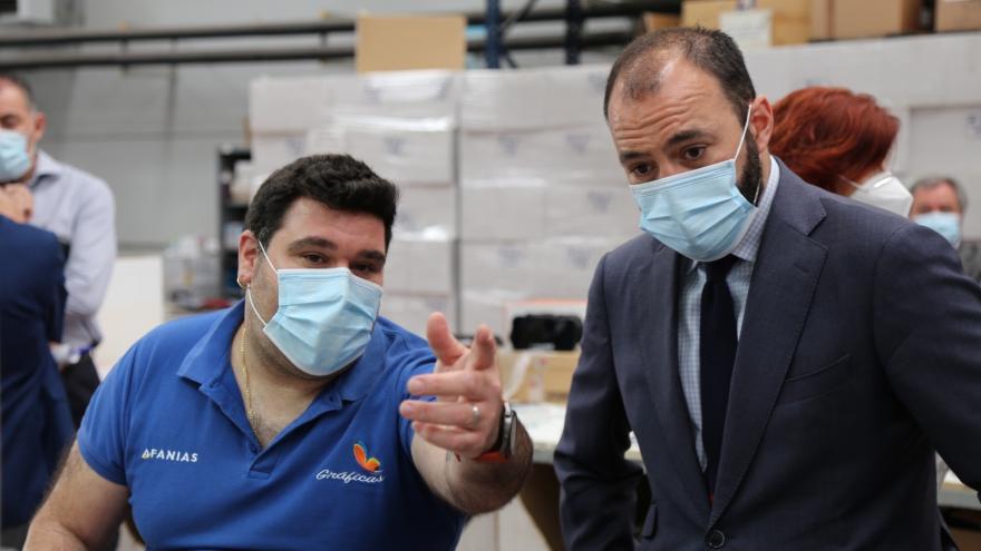 Manuel Gimenez durante la visita