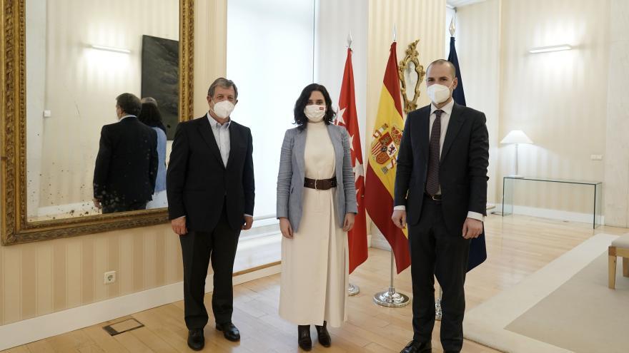 Díaz Ayuso foto de familia