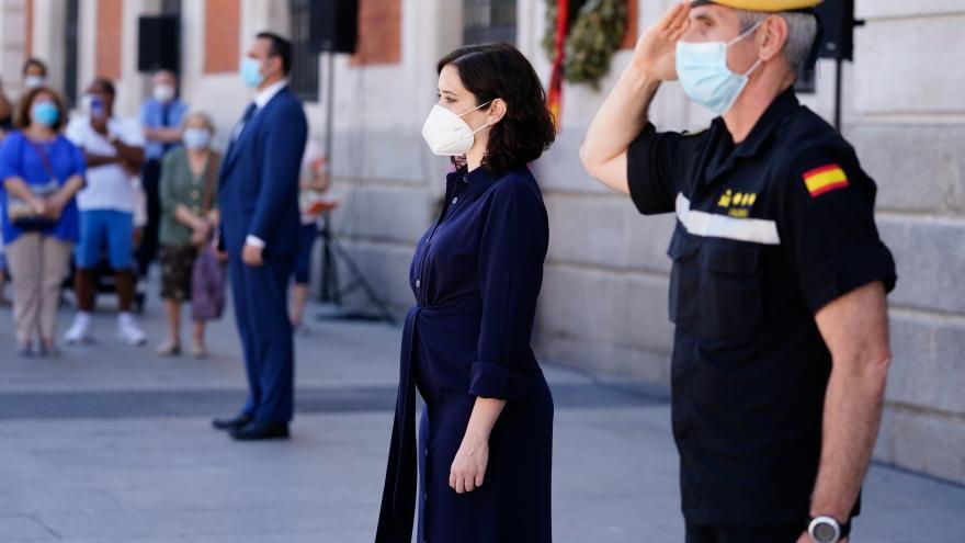 Isabel Díaz Ayuso durante el homenaje a las Fuerzas Armadas