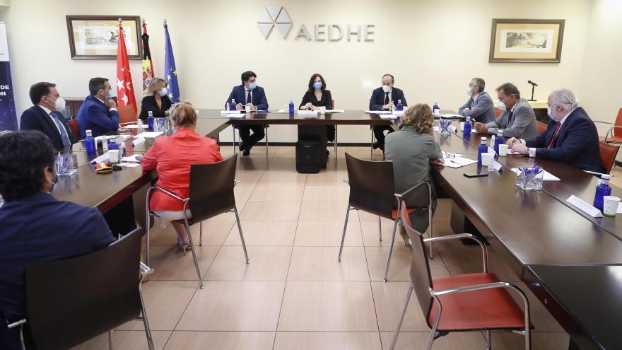 Isabel Díaz Ayuso durante el encuentro con los empresarios del Corredor del Henares