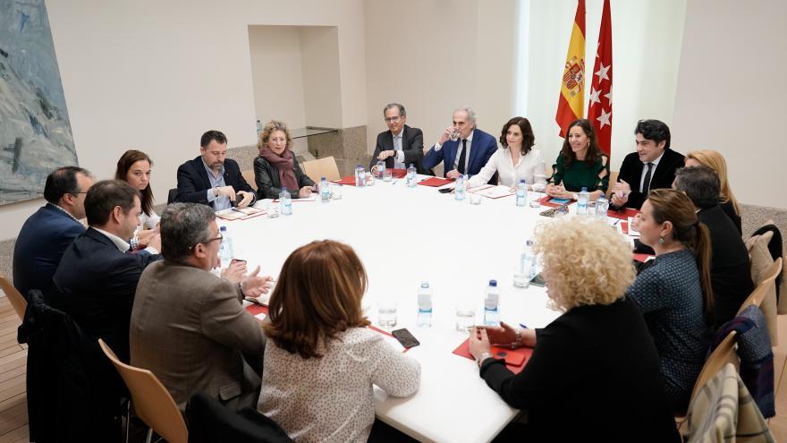 Isabel Díaz Ayuso durante la reunión con la junta de gobierno de la Federación Madrileña de Municipios