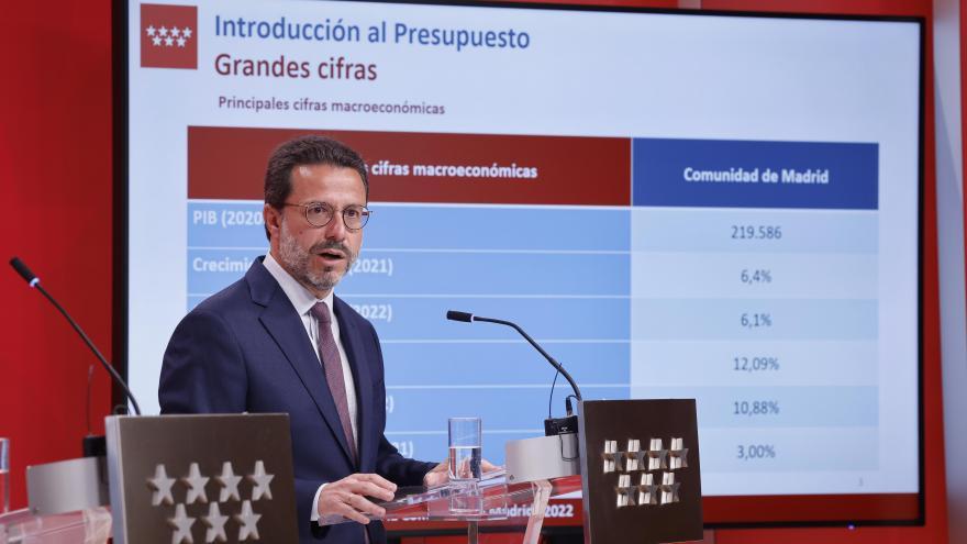El consejero Javier Fernández-Lasquetty en el atril
