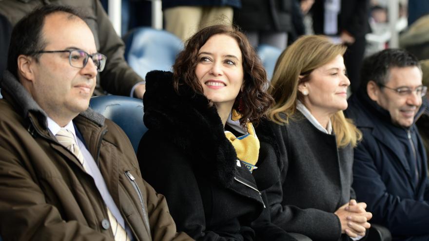 Isabel Díaz Ayuso dentro del estadio