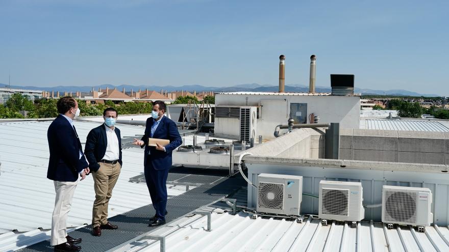 Azotea de un edificio sostenible en Las Rozas
