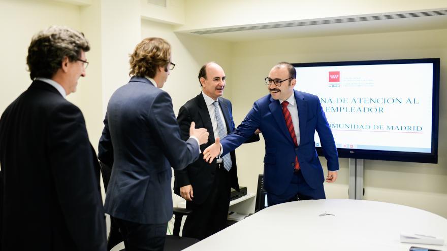 Manuel Giménez, ha visitado la Oficina del Empleador
