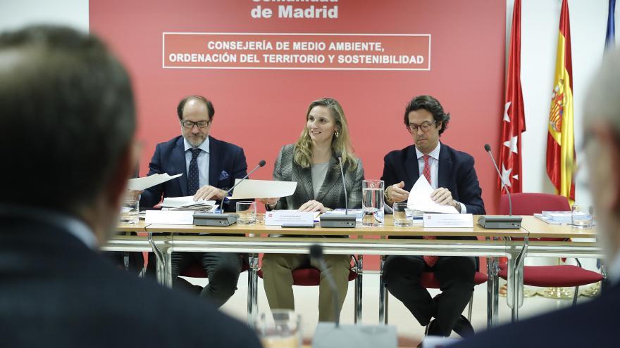 Paloma Martín presidiendo la primera reunión del Comité científico-técnico de Sostenibilidad y Cambio Climático