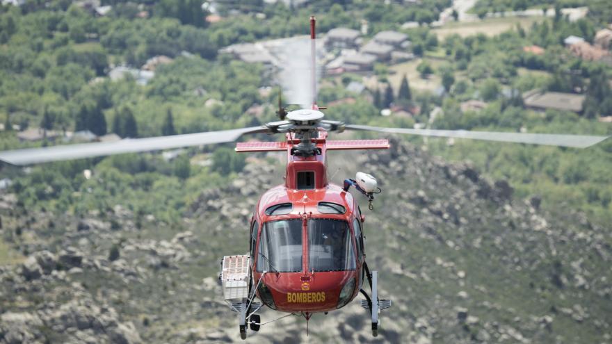 Imagen del helicóptero del GERA en vuelo