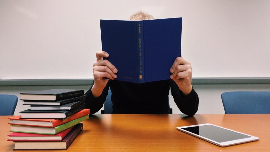 Oposiciones a cuerpos docentes no universitarios