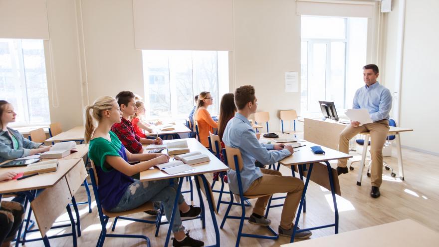 Profesor dando una clase