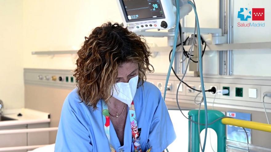 Personal sanitario trabajando.