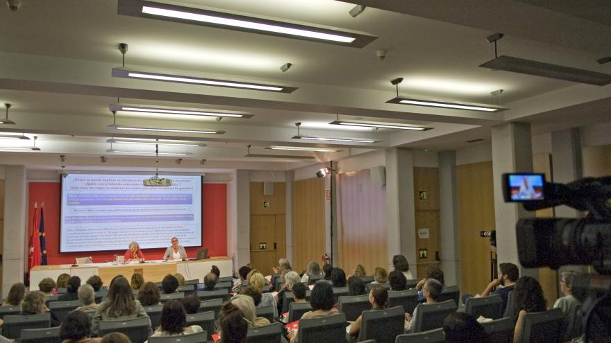 Conferencia Tejiendo pasado