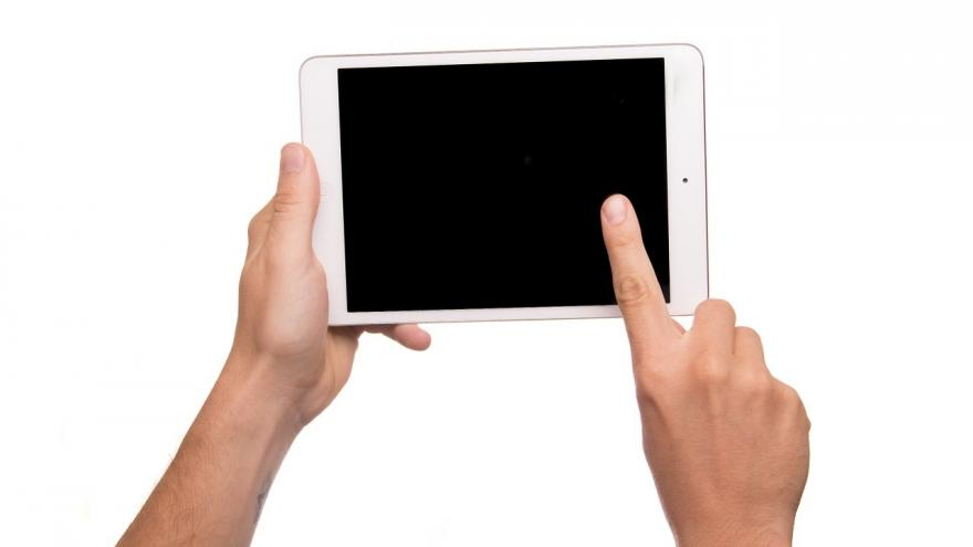 Los profesionales de Santa Cristina utilizan dispositivos informáticos