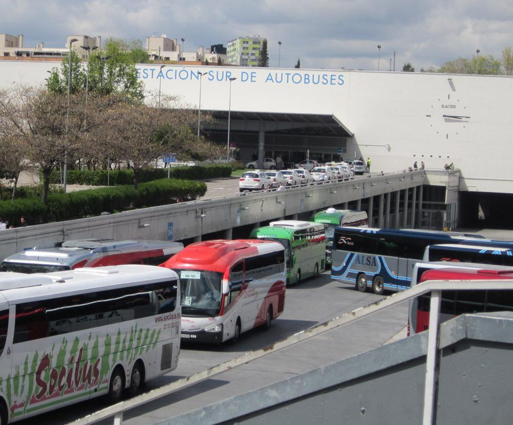 Autobuses saliendo de Méndez Álvaro