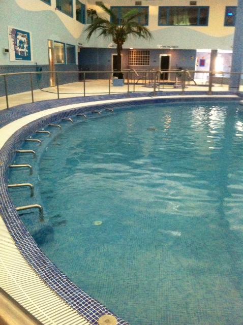 Imagen del interior de la piscina de un balneario