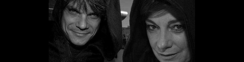 Actores de la compañía La Radical Teatro representando la función El diablo cojuelo