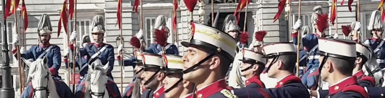 Cambio de guardia en el Palacio Real de Madrid