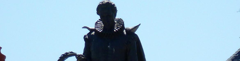 Estatua de Cervantes. Alcalá