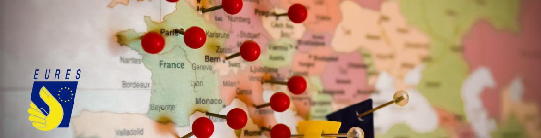 Mapa de Europa con chinchetas de localización en diversos países