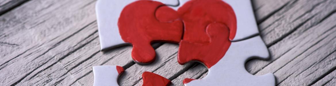 imagen de un puzzle con un corazón