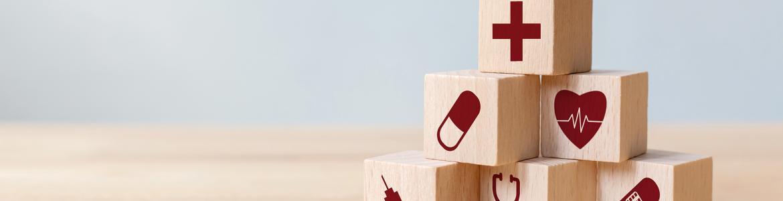 rompecabezas de madera con imagenes sanitarias