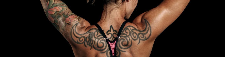 Tatuaje de una espalda de una chica