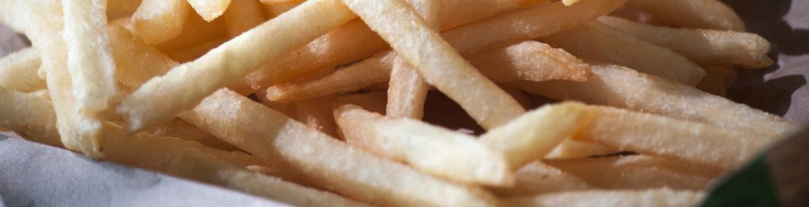 Patatas fritas corte bastones
