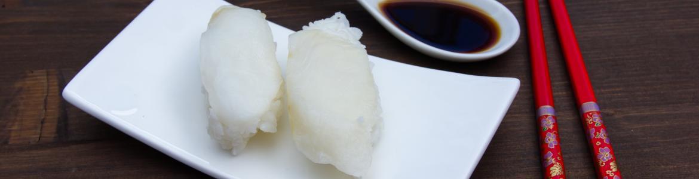 Sushi de pez mantequilla en un plato