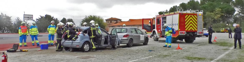Cuerpos de la Agencia de Emergencias 112 en simulacro de accidente de tráfico