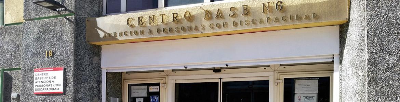 Rótulo de la fachada del Centro Base Nº 6 de la Comunidad de Madrid