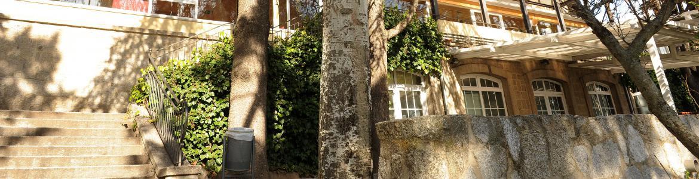 Fachada del albergue juvenil El Escorial