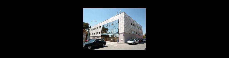 fachada del Centro de Especialidades Villaverde Cruce