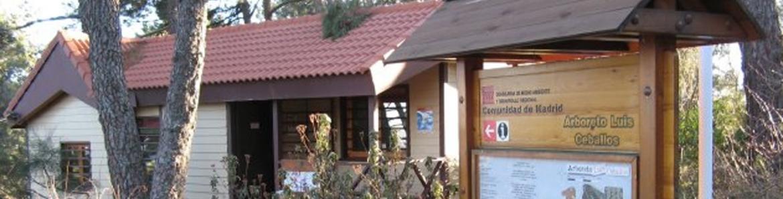 Acceso al Centro de educación ambiental Arboreto Luis Ceballos