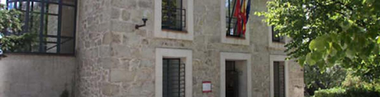 Edificio de la Oficina de Registro de la Dirección General de Administración Local en La Cabrera