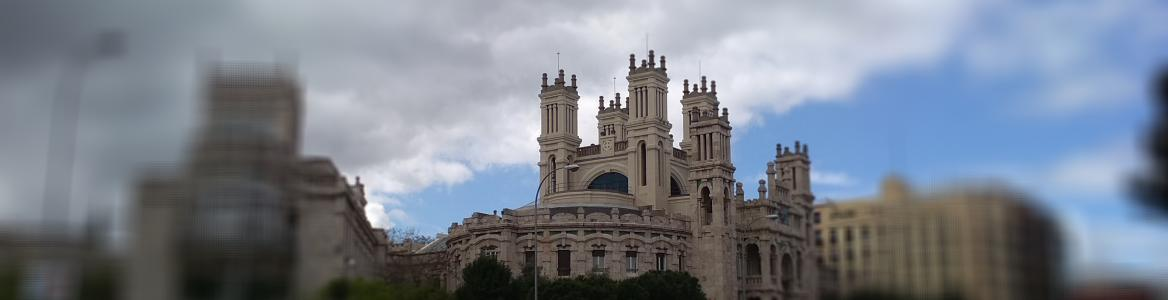 Vista exterior del Palacio de Maudes