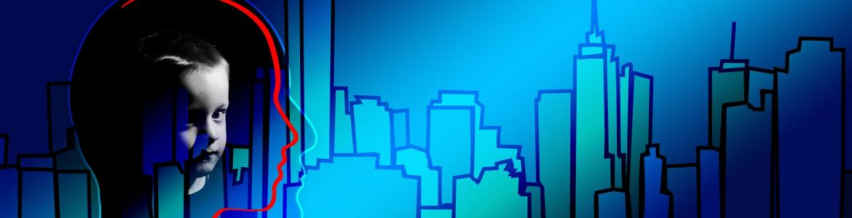 Perfil de edificios y cabezas sobre fondo azul
