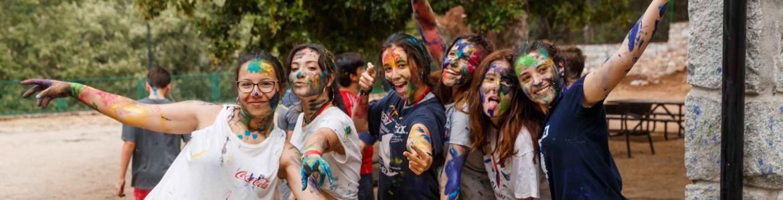Grupo de chicas con las caras pintadas
