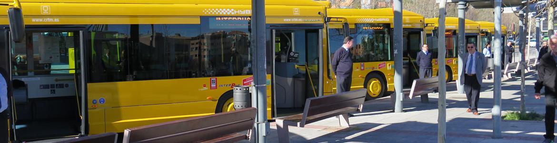 Autobuses urbanos de Alcobendas aparcados en línea